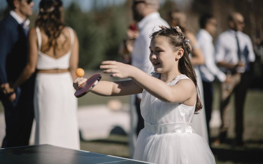 How to keep kids entertained on your wedding day